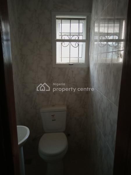 Fantastic 2 Bedroom Flat, Bucknor Estate, Oke Afa, Isolo, Lagos, Flat for Rent