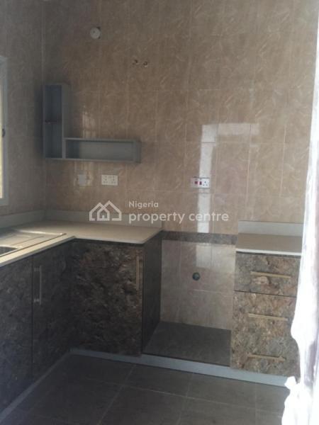 Spacious 2 Bedroom Apartment with a Guess Toilet, Lekki, Lekki Phase 1, Lekki, Lagos, Flat for Rent