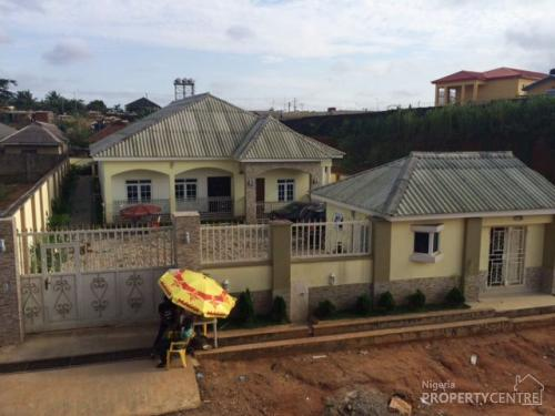 Well finished 4 bedroom bungalow with gate house and front for Bungalow house for sale