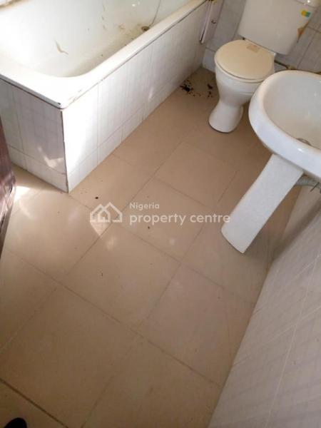 Standard Two Bedroom Flat, Maitama, Maitama District, Abuja, House for Rent