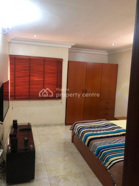 Private Room in a Shared Duplex, By The Beautiful Lagoon., Vgc, Lekki, Lagos, Detached Duplex Short Let