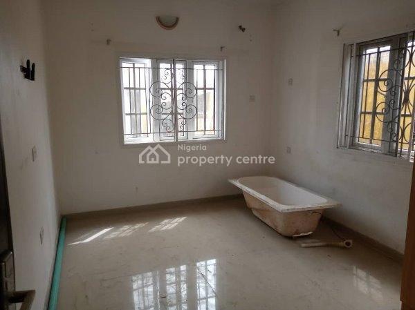 Renovated  Two Bedroom Flat, Mobil Road, Ajah, Lagos, Flat for Rent