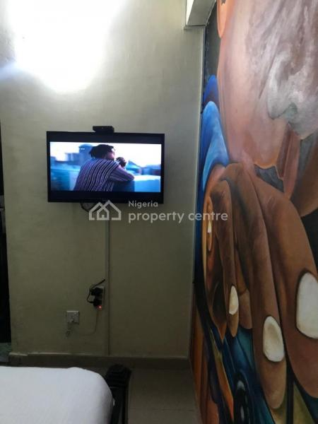 Fully Furnished and Serviced Luxury Single Room Flat, Oniru, Victoria Island (vi), Lagos, Self Contained (single Rooms) Short Let