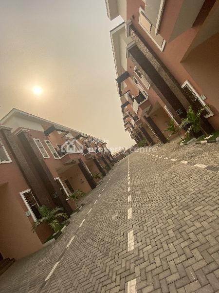 Serviced 4 Bedroom Terrace Duplex, Lekki Expressway, Lekki, Lagos, Terraced Duplex for Rent