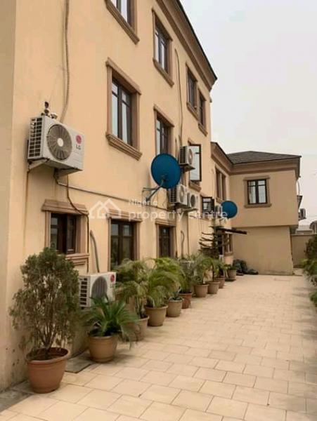 Executive 4 Bedroom Fully Detached with 2 Bq on 550sqm, Off Ogunlana Drive, Ogunlana, Surulere, Lagos, Detached Duplex for Sale