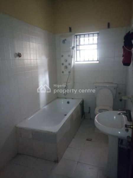 Nice 3 Bedroom with Bq, Lekki Phase 1, Lekki, Lagos, Flat for Rent