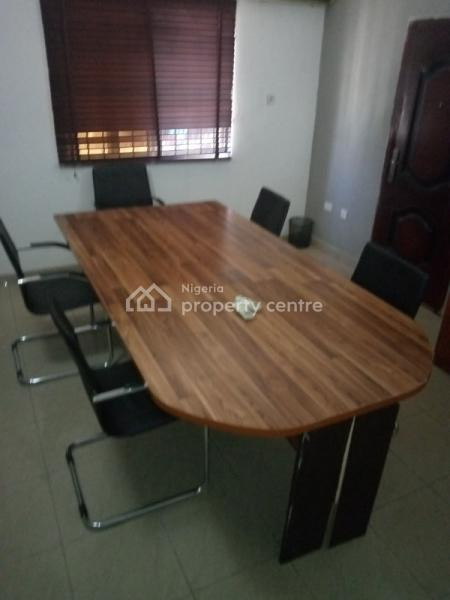Single Table Office Space, Tom Ogboi Avenue, Lekki Phase 1, Lekki, Lagos, Office Space for Rent