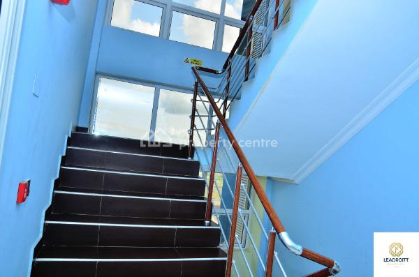 Clean Fully Serviced 3 Bedroom Apartment, Palms Spring Road, Close to Spar Mall, Ikate Elegushi, Lekki, Lagos, Flat for Rent