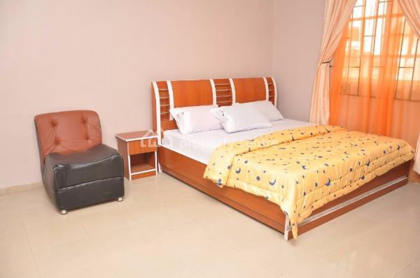Hotel, Off Airport Road, Warri, Delta, Hotel / Guest House for Sale