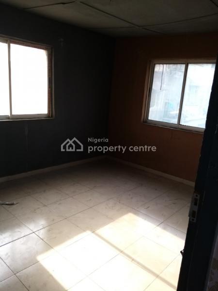 2 Bedroom Flat Ensuite, Itire Ijesha, Itire-ikate, Surulere, Lagos, Flat for Rent