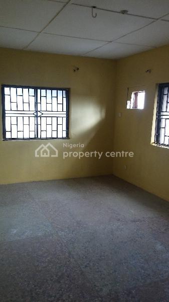 Spacious 3 Bedroom, Funsho Kinoshi Street Century Bus Stop, Ago Palace, Isolo, Lagos, Flat for Rent