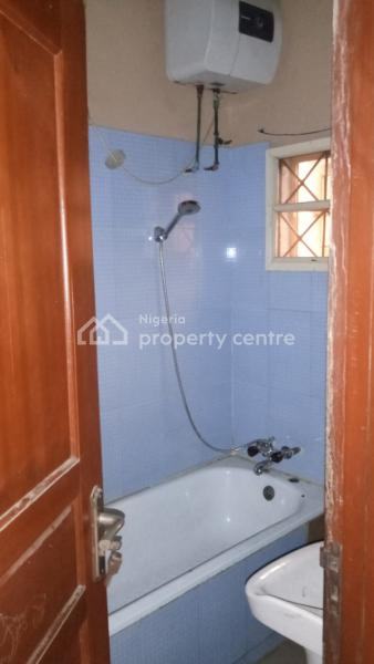 Nice 3 Bedroom Flat, Randle Avenue, Ogunlana, Surulere, Lagos, Flat for Rent