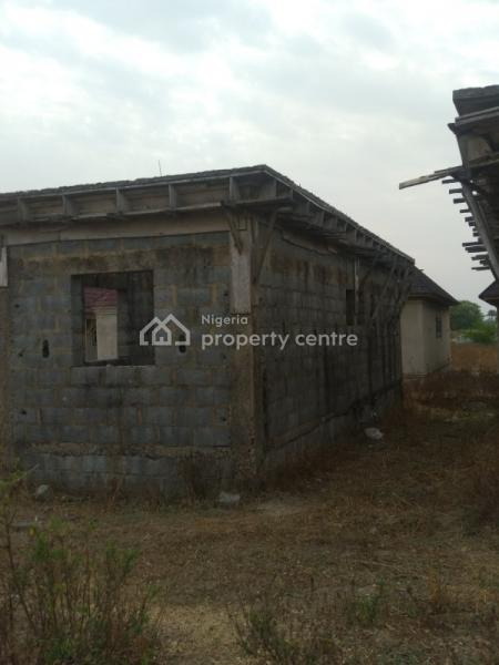 Lintel Level 3 Bedrooms Bungalow with 1 Bedroom Apartment B.q, Broad View Estate, Lugbe District, Abuja, Detached Bungalow for Sale