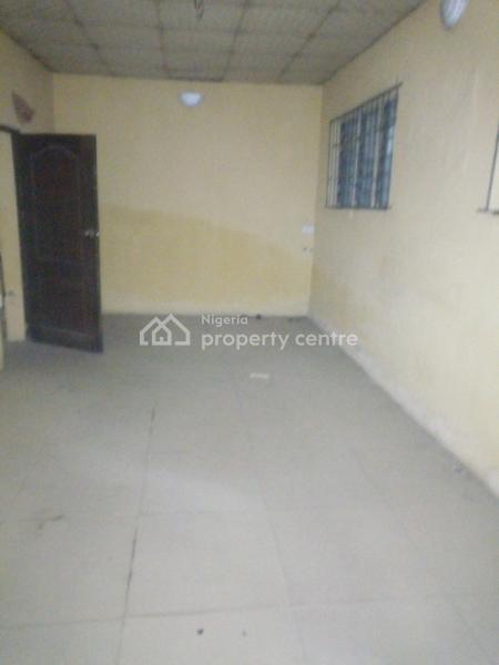 Luxury Two Bedroom Is Available, Ondo Street, Ebute Metta East, Yaba, Lagos, Flat for Rent