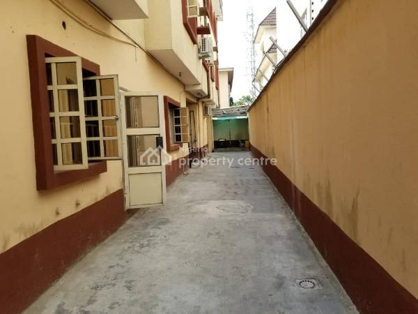 Nice 2 Bedroom Apartment, Off Admiralty Road, Lekki Phase 1, Lekki, Lagos, Flat for Rent