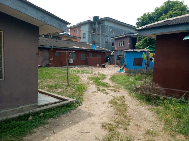 Neat 2 Bedroom Flat, Onike, Yaba, Lagos, Flat for Rent