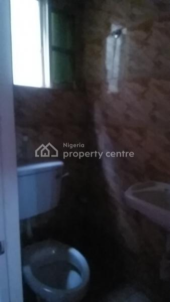Spacious Self Contained, Onukem Street Within First Bank Rumuodara Portharcourt., Rumuodara, Port Harcourt, Rivers, Flat for Rent