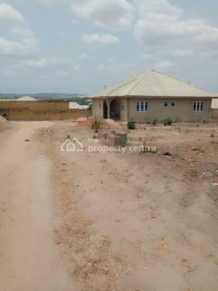 Corner Piece Land 570.107 Sqm Is Available in a Serene Environment, Arutu, Arapaja Area,odo Ona Kekere Ibadan, Challenge, Ibadan, Oyo, Residential Land for Sale