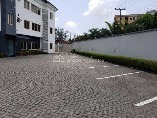 Beautiful 3 Bedroom Flat with Excellent Facilities, Off Admiralty Road, Lekki Phase 1, Lekki, Lagos, Flat for Rent