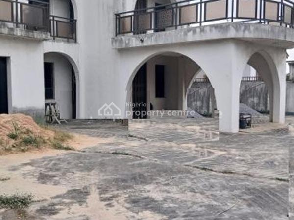 an Old 7 Bedroom Detached Duplex on 1100sqm, Gra, Ogudu, Lagos, Detached Duplex for Sale
