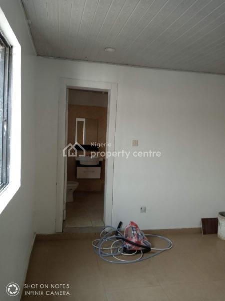 Very Descent Service Mini Flat, Off Palace Road, Oniru, Victoria Island (vi), Lagos, Mini Flat for Rent