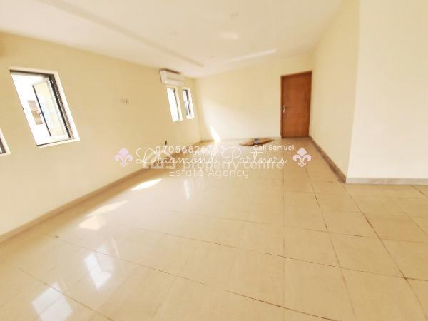 Shop Space Serviced Mall, Off Admiralty Way Lekki, Lekki Phase 1, Lekki, Lagos, Shop for Rent