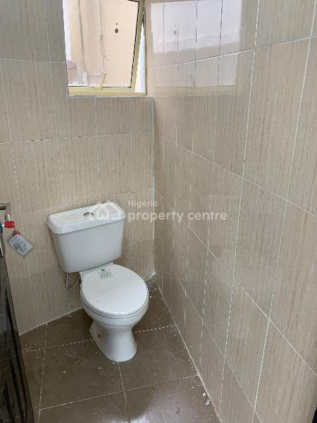 Shop Space with a Private Toilet, Lekki Phase 1, Lekki, Lagos, Shop for Rent