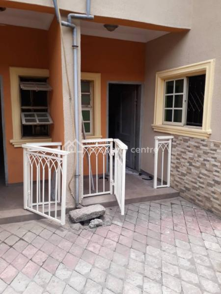 Executive 3bedrooms, Off Cmd Road,caleb, Magodo, Lagos, Flat for Rent