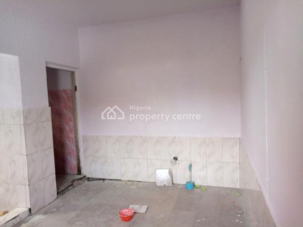 a Room Self Contained, After Osapa, Igboefon/newroad, Lekki Expressway, Lekki, Lagos, Self Contained (single Rooms) for Rent