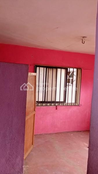 Spacious 4bedroom Flat, Off Otunba Bus Stop, Itire-ikate, Surulere, Lagos, Flat for Rent