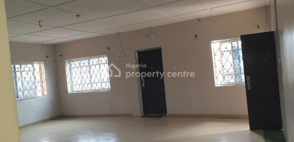 Spacious 3 Bedroom Flat with Prepaid Meter & Car Park ( Upstairs), Off Onike Roundabout, Onike, Yaba, Lagos, Flat for Rent