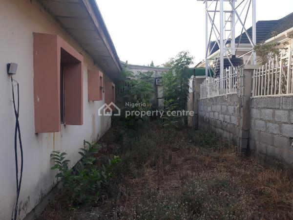 Old 3bedrooms Semi Detached Bungalow with Domestic Quarters Space, Off Ademola Adetokunbo Crescent, Wuse 2, Abuja, House for Sale