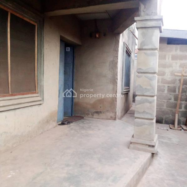 Room and Parlor Self Contained, Monatan Area, Ibadan, Oyo, Flat for Rent