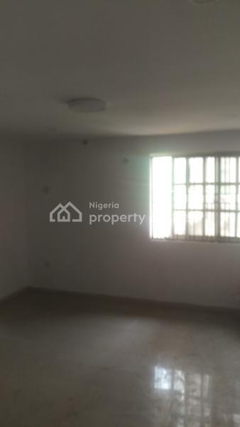 Massive Mini Flat Upstairs, Lekki Phase 1, Lekki, Lagos, Mini Flat for Rent