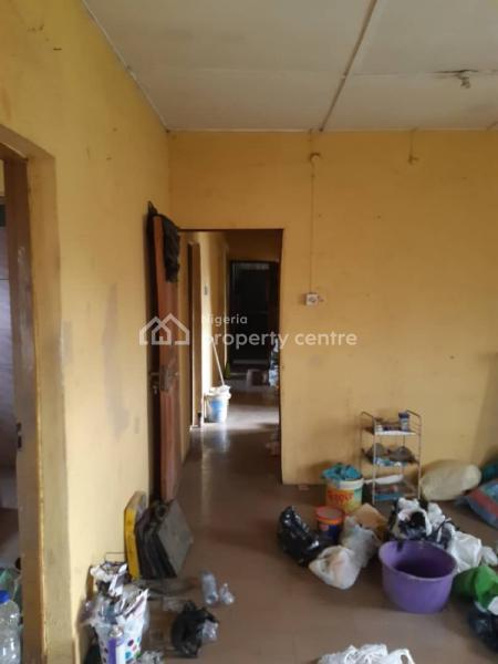 3 Bedroom Flat with Excellent Master Bedroom, Shoyinka Street , Off Pedro , Ladilak Bus Stop, Palmgrove, Shomolu, Lagos, Flat for Rent