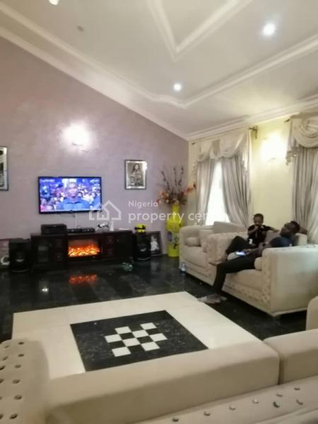7 Bedroom House, Warri, Delta, Detached Bungalow for Sale