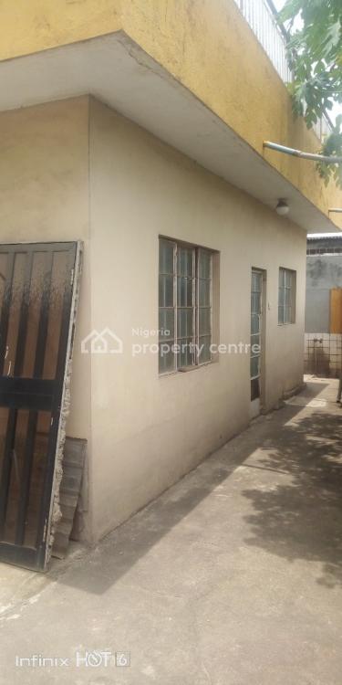 Mini Flat with Store and Dinning Area, Adekunle Oshomo / Chevron Recreation, Soluyi, Gbagada, Lagos, Mini Flat for Rent