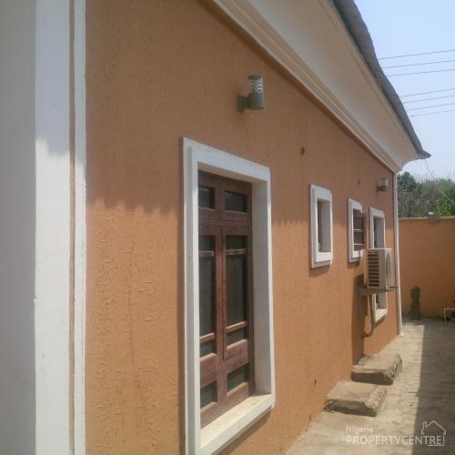For Sale: 4 Bedrooms Duplex With Necessary Facilities