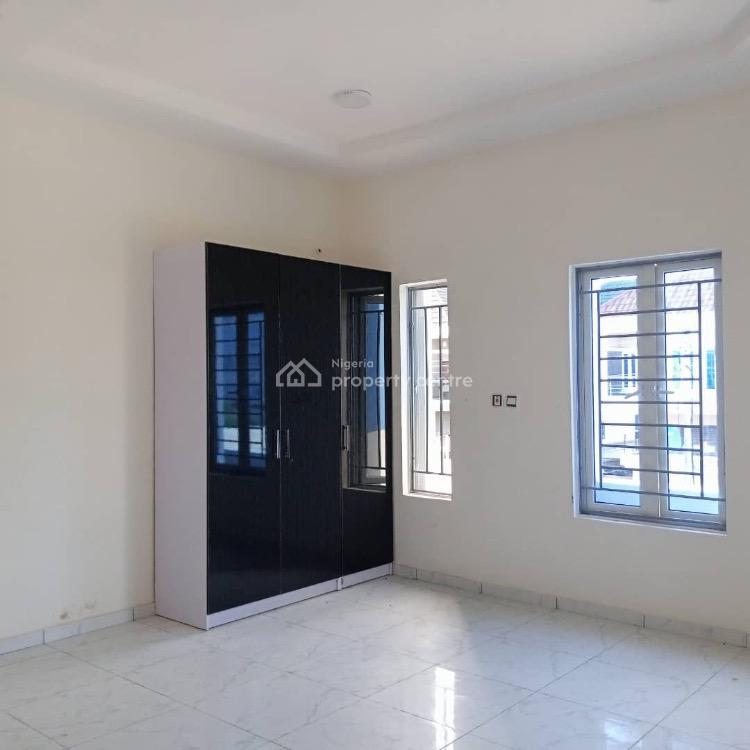 For Rent: 2 Bedroom Apartment, Ikota, Lekki, Lagos