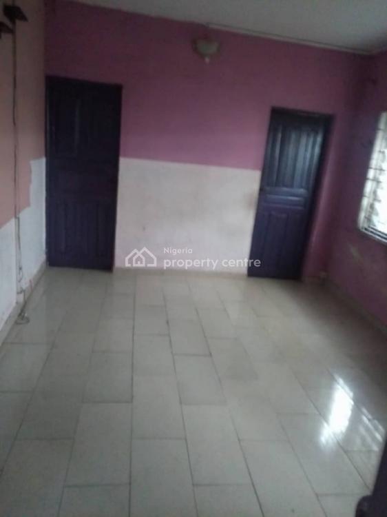 2bedroom Flat, Off Akerele Road By Ogunlana Drive, Ogunlana, Surulere, Lagos, Flat for Rent