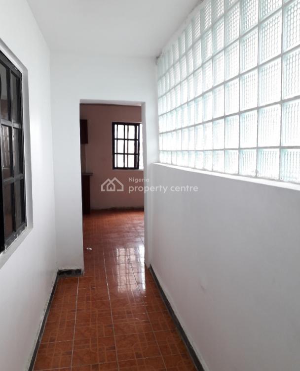 Spacious Mini Flat Upstairs, Oniru, Victoria Island (vi), Lagos, Mini Flat for Rent