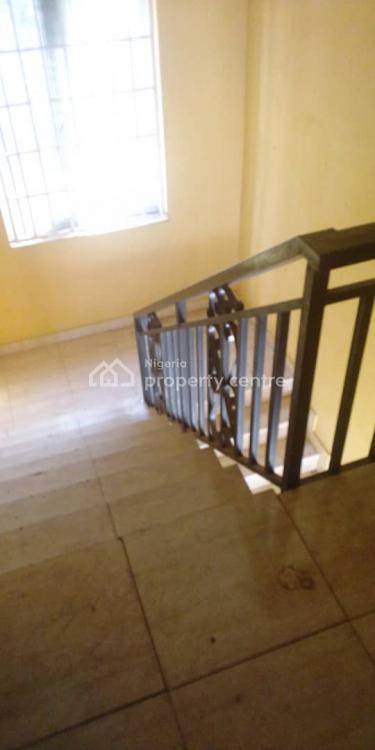 Decent 3bedroom Flat in a Secured Zone., Off Bashiru Shittu, Gra, Magodo, Lagos, Flat for Rent