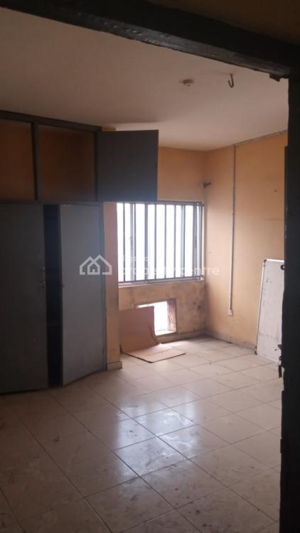 Spacious 3bedroom Flat, Off Adekunle Kuye, Kilo, Surulere, Lagos, Flat for Rent