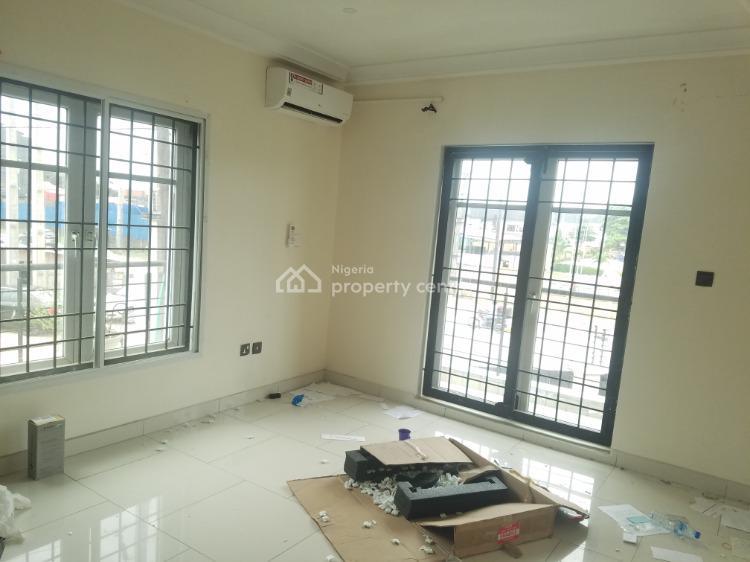 Lovely Commercial 3 Bedroom Flat, Chevron Toll Gate -, Lekki Expressway, Lekki, Lagos, Flat for Rent