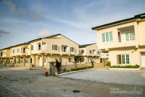 for sale very cheap semi detached 4 bedroom duplex phase ii