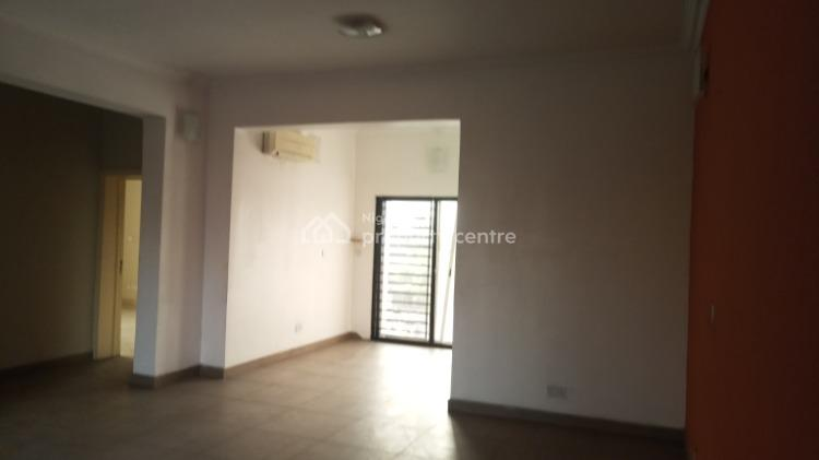 Beautiful 3 Bedroom, Yaba, Lagos, Flat for Rent