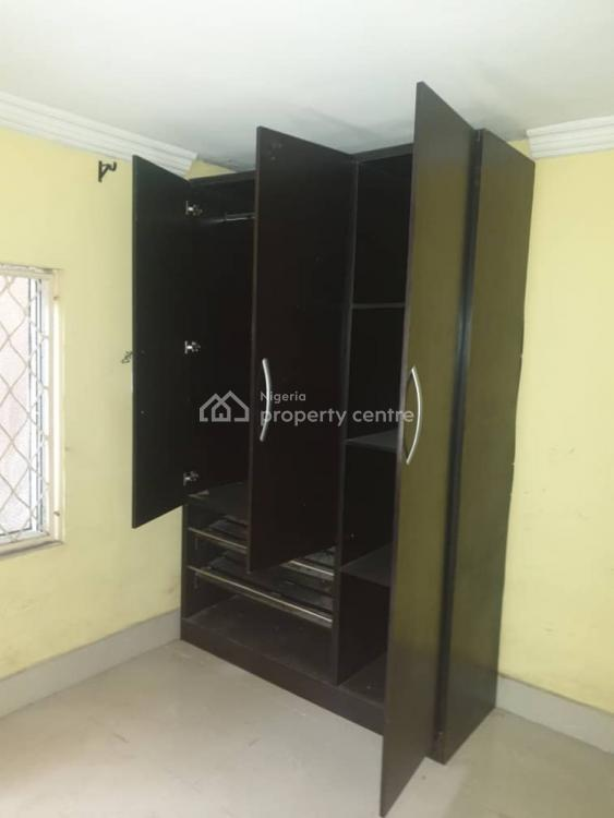 Nice and Neat 4 Bedroom, Off Adetola Street, Aguda, Surulere, Lagos, Flat for Rent
