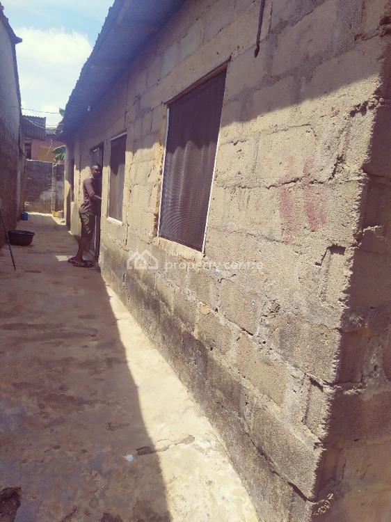 4bedroom Bungalow, Femi Osobu Street Agodo., Egbe, Lagos, Detached Bungalow for Sale
