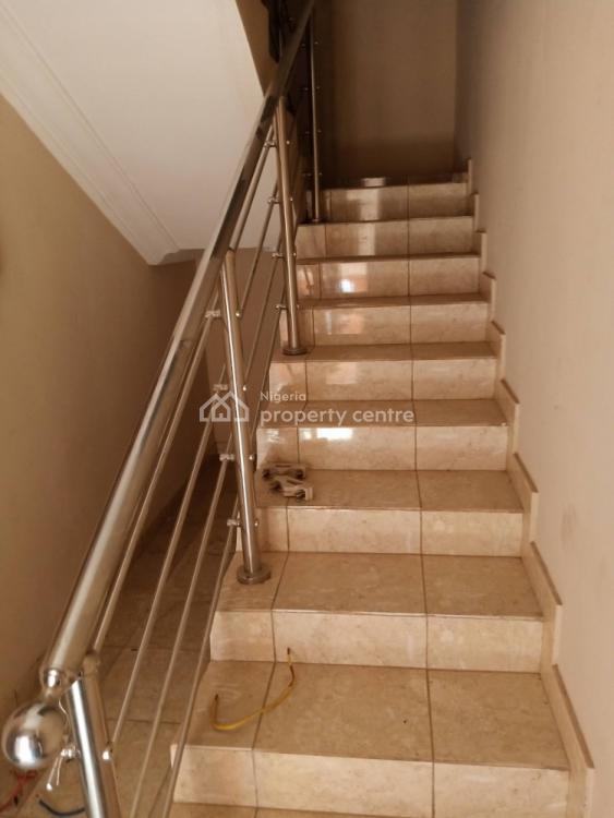 Luxury 2 Bedroom Flat. Ensuite, John Olanrele Street Magodo Phase 1, Isheri., Magodo, Lagos, Flat for Rent
