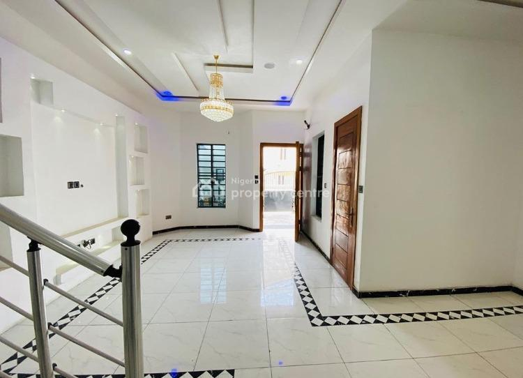 4 Bedrooms Semi Detached Duplex, Off Eletu Way, Osapa, Lekki, Lagos, Semi-detached Duplex for Sale